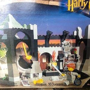 Warner Bros. Other - Harry Potter LEGO sets 4704 & 4705 complete 2001